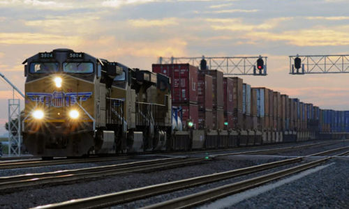 Rail unions back bill mandating two-member crews on freight trains