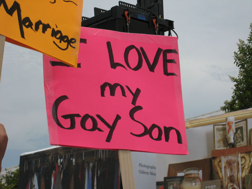 Obama makes historic move on same-sex marriage rights