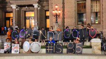 "Texas ""women power"" blocks anti-abortion bill"