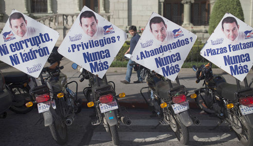 Guatemala: Comedian Jimmy Morales is elected president