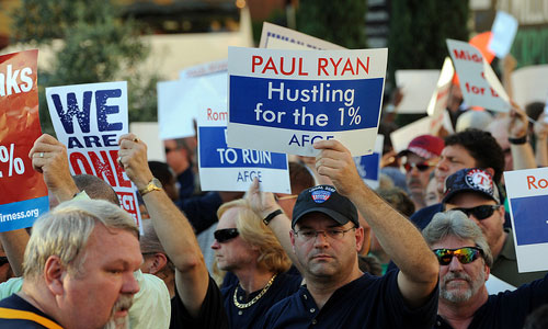 Federal union protests GOP Ryan: He hustles for the 1%