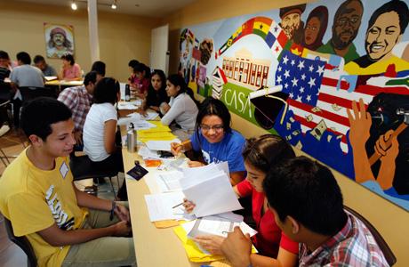 Obama to push citizenship for undocumented