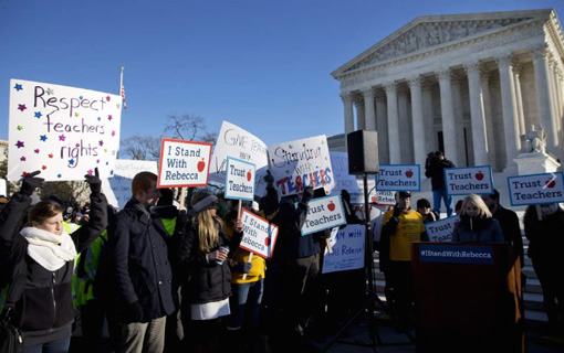 For union supporters rallying at SCOTUS, Friedrichs case is personal