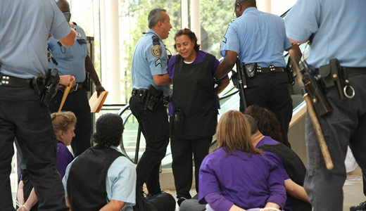 Janitors strike rocks Houston, forces employers to talk