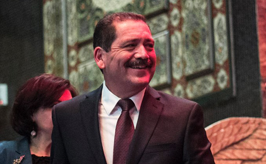 """Jesus """"Chuy"""" Garcia campaigns in Los Angeles for support"""