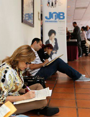 Jobless rate unchanged in Nov., businesses say they created 321K jobs