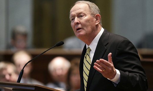 GOP's Lamar Alexander, catering to right, tries axing Davis-Bacon