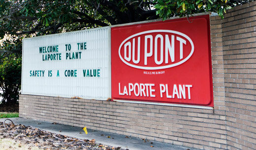Deaths at Texas DuPont plant cry for better safety regulations
