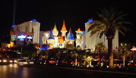 Billionaire casino owner Adelson takes aim at unions