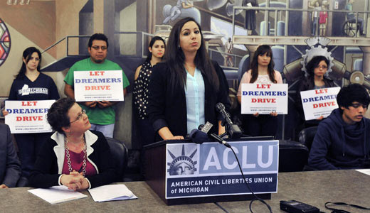 Bill will let undocumented Illinoisans drive