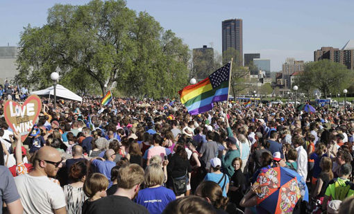 Minnesota celebrates national love