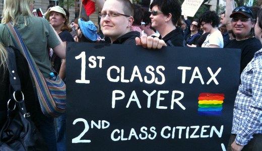 Illinois legalizes civil unions