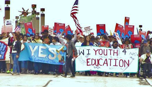 20,000 march against Arizona's SB 1070