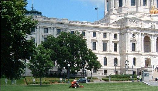 Minnesota unions await details of deal to end shutdown