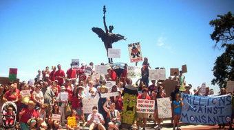 Monsanto protesters demand GMO labeling