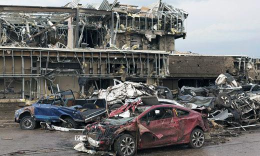 Massive twister ravages Oklahoma town
