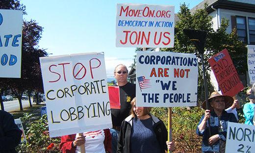 """MoveOn pickets urge Congress, """"End corporate dictatorship"""""""