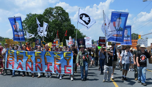"Defense argues Bradley Manning motivated by ""humanist"" beliefs"