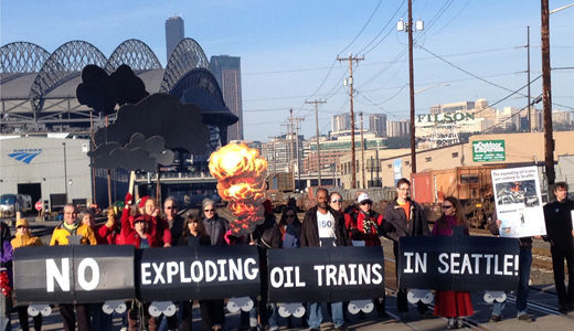 Environmentalists, railroad workers protest oil trains