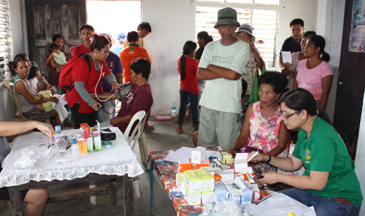 Unions organizing aid for Philippines, Midwest disasters