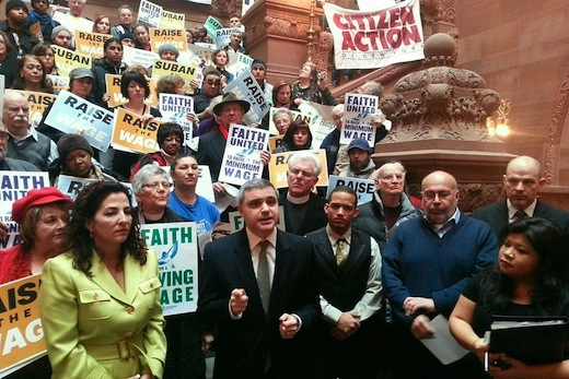 Labor coalition urges N.Y. to raise minimum wage