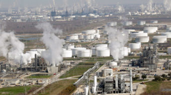 Refinery safety tops Steelworkers' oil bargaining goals