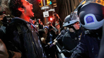 Police tear down New York's Occupy Wall Street camp