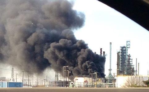 Major explosion at Detroit tarsands refinery