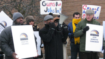 Attention Walmart: good jobs in – guns out
