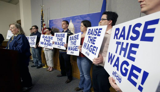 Harkin predicts Senate vote on minimum wage hike after recess