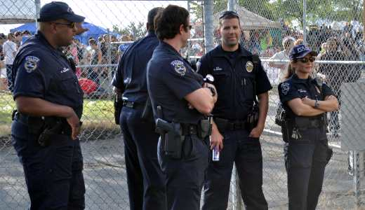 Justice Dept. weighs probe of Seattle police killings