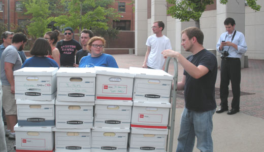 Missourians file 350,000 signatures for higher minimum wage