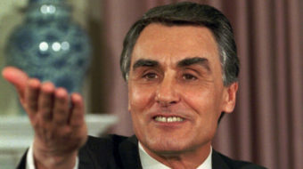 Portuguese president re-appoints right wing minority government