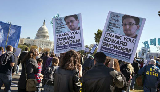 Thousands in Washington protest government spying