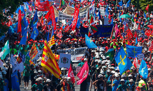 Spanish miners' protest draws massive support