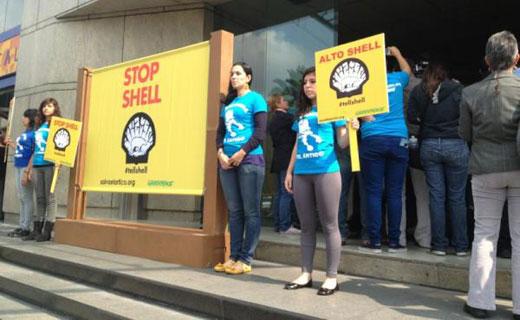 UK activists target Shell's Arctic agenda