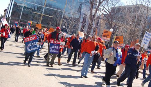 """Recall Walker!"" – 62,000 Wisconsin workers fight back"