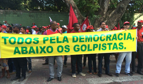 Brazil: Amid coup talk, massive demonstrations for and against Dilma