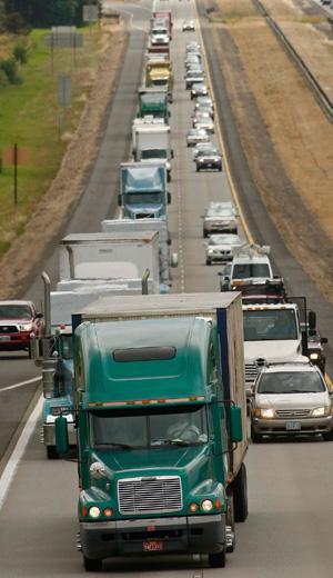 Teamsters battle senator's scheme to lengthen truckers' hours behind the wheel