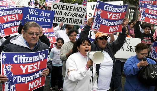 Supreme Court urged to toss Ariz. immigration law