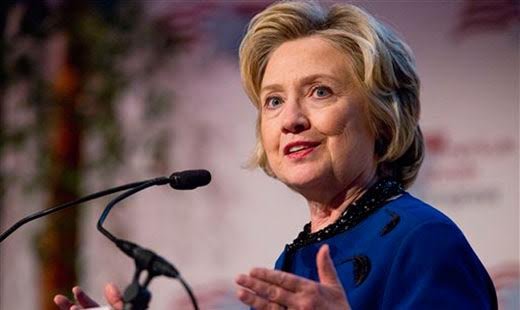 Clinton courts Carpenters leaders