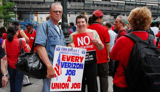 Verizon workers face down corporate greed