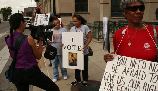 Early vote begins in Texas