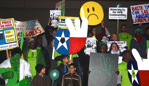 Texas strikers picket Walmart in Black Friday warm-up