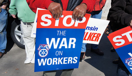Appeals court reinstates Walker's entire anti-union law