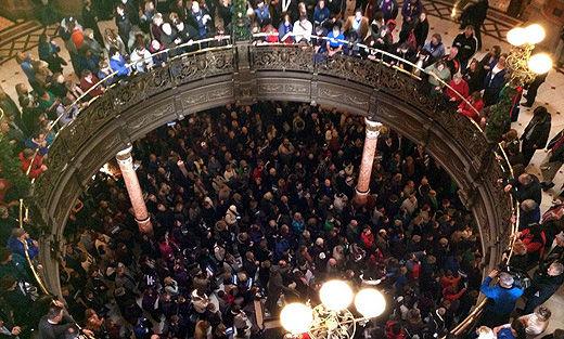 In LA and Illinois, unions fight legal battles vs. pension cuts