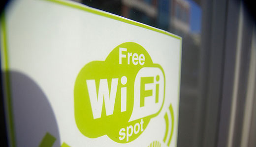 Obama, FCC expanding public Wi-Fi