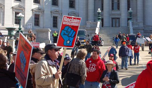 Union locals pledge to halt GOP in 2014 mid-term elections