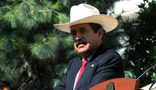 Deposed President Zelaya returns to Honduras