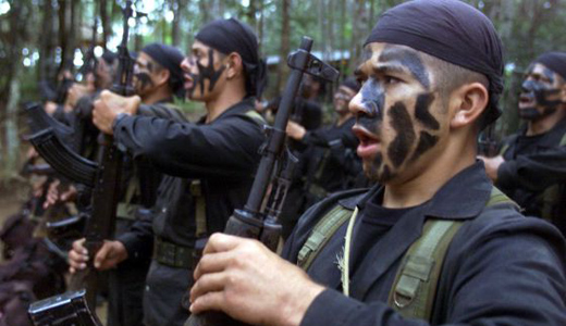 Colombian paramilitaries advance as peace plebiscite approaches